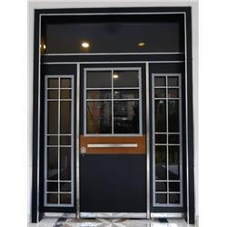F 56 Bina giriş kapısı