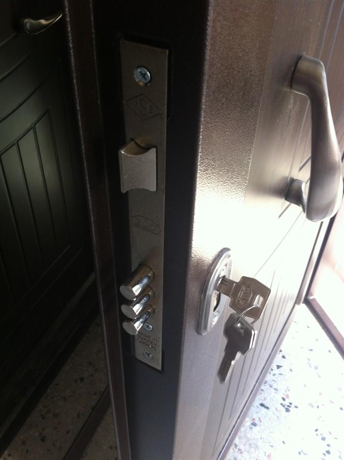 Çelik kapı tamiri ve bakımı