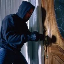 Hırsızın kapı açma teknikleri
